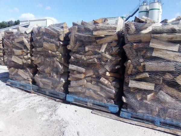 palette de bois à sécher_lot bois_stère de bois_chauffage maison
